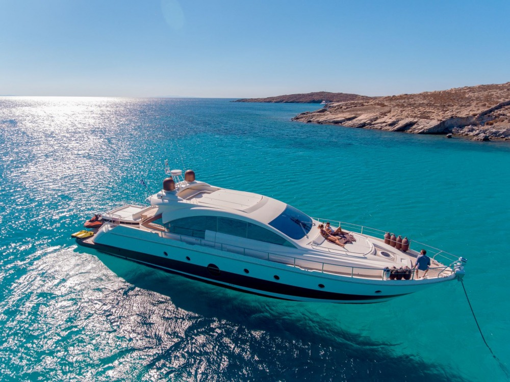 """Mykonos Yachting - Private & Luxury Yacht Charter - """"Majestic"""" - Aicon 72 Hardtop"""