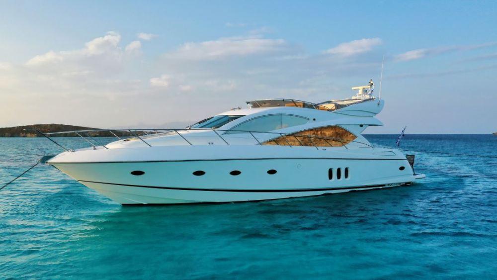 Mykonosyachting-Luxuty-Private-Yacht-Charter-Serenity-Sunseeker60-Flybridge-11