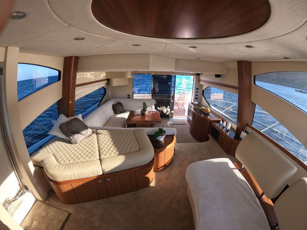 Mykonosyachting-Luxuty-Private-Yacht-Charter-Serenity-Sunseeker60-Flybridge-14